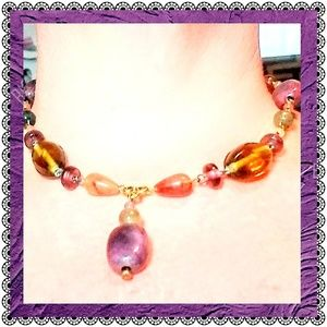 Jewelry - Colorful necklace, vintage look beads on goldtone